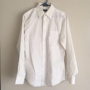 MENS Arrow white Dress shirt. Size Medium